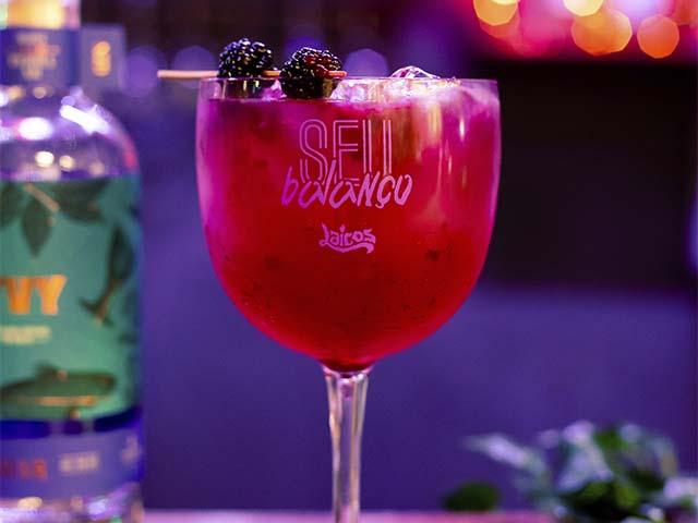 Drink com amora - Casa Laicos